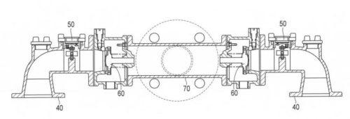 図3】同給水装置に組み込まれた合流管を示す断面図。